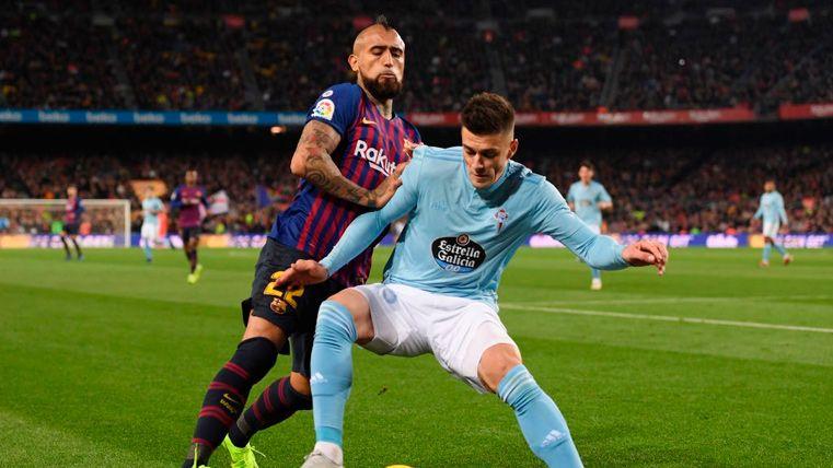 Un jugador del Celta presumió de llevarse la camiseta de Messi... ¡Y tuvo que pedir perdón!
