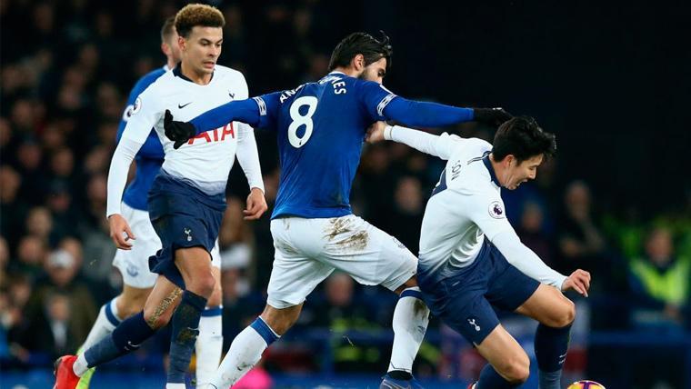 ¡Vaya día para André Gomes! El Everton cae goleado y se marcha lesionado