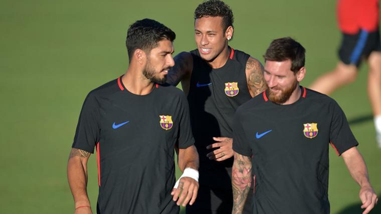 Neymar Jr, Leo Messi y Luis Suárez, durante un entreno con el Barça