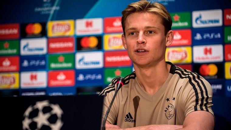 Frenkie de Jong, en rueda de prensa con el Ajax de Amsterdam