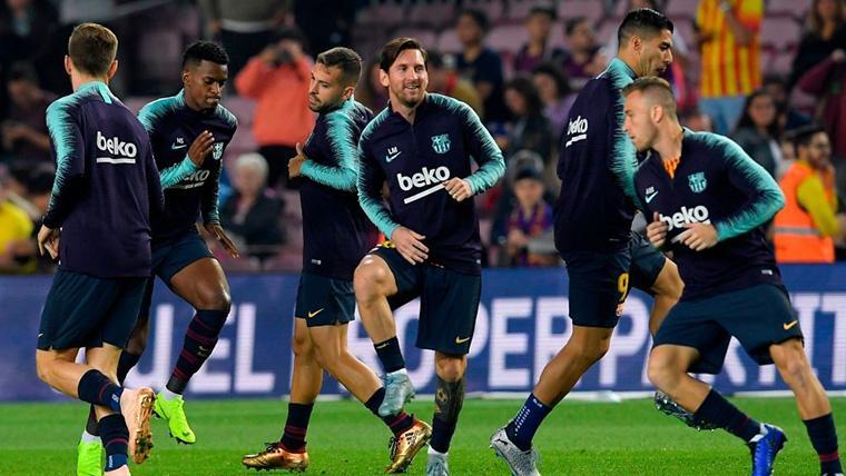 El FC Barcelona, calentando antes de dar comienzo un partido