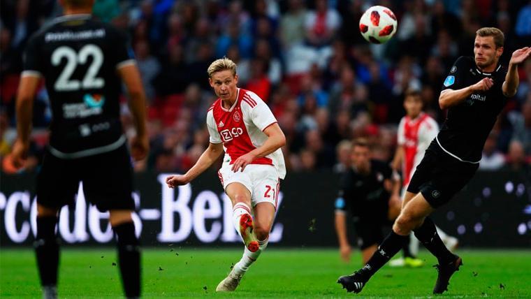 Frenkie de Jong en un partido con el Ajax