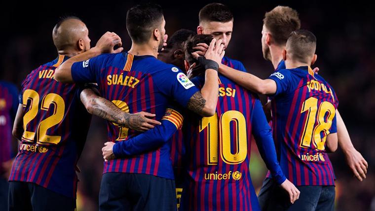 Leo Messi, celebrando con sus compañeros un gol marcado en Champions