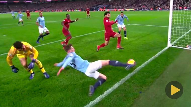 VIRAL: Stones y la jugada cómica que casi provoca un infarto a Guardiola en el City-Liverpool