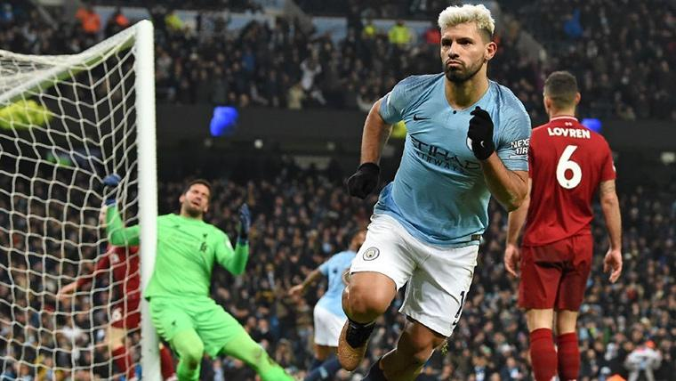 El Manchester City gana al Liverpool (2-1) y llena de emoción la Premier League