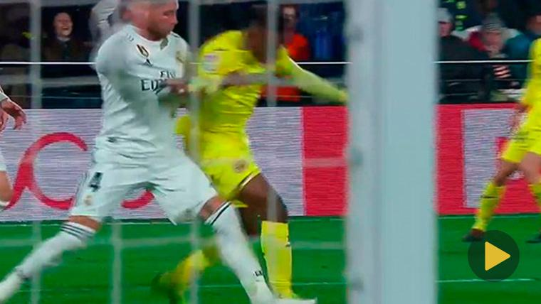 ¡Y pudo ser peor! Posible penalti de Sergio Ramos a Chukwueze que no vio el VAR