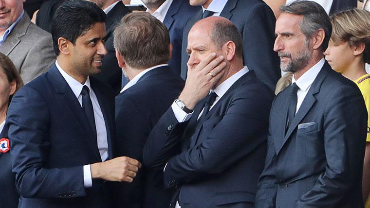 Nasser Al-Khelaïfi y Antero Henrique en un partido del PSG