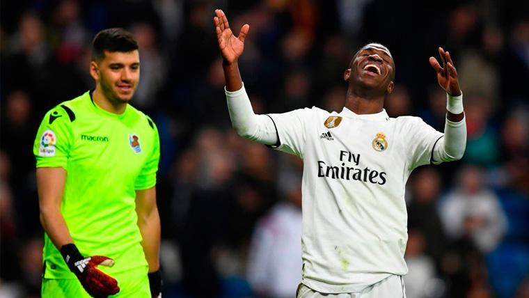 Vinicius Jr se lamenta en un partido del Real Madrid