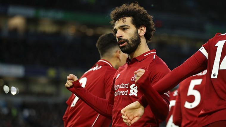 Salah catapulta al Liverpool para presionar al City de Guardiola