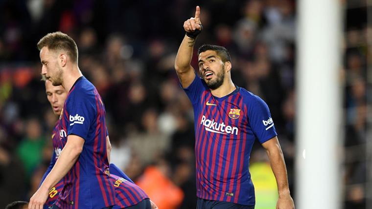 'Doblete' de Luis Suárez para hundir al Eibar en el Camp Nou