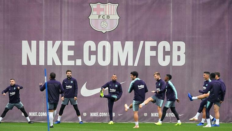 Malcom y Denis Suárez colapsan la puerta de salida del Barça