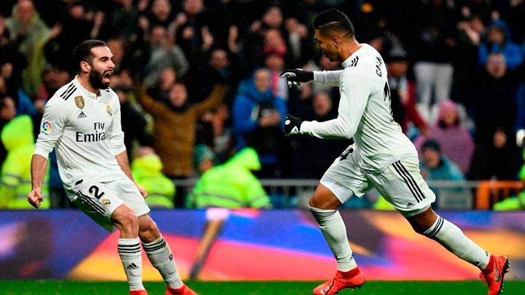 Casemiro salva a un Madrid sin puntería ante el Sevilla (2-0)