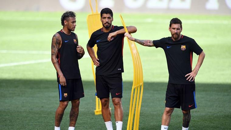 Neymar Jr, Messi y Luis Suárez, durante un entreno del Barcelona