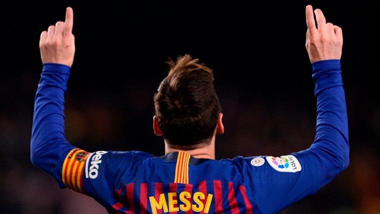 Messi redujo distancias para el Barça tras un penalti a Semedo