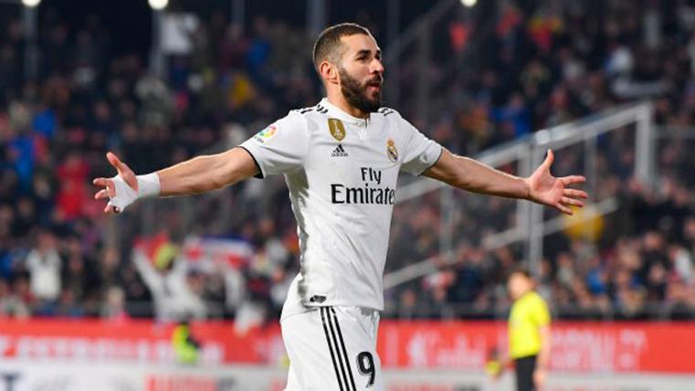 El Real Madrid derrota al Alavés y lanza un aviso al Barça (3-0)