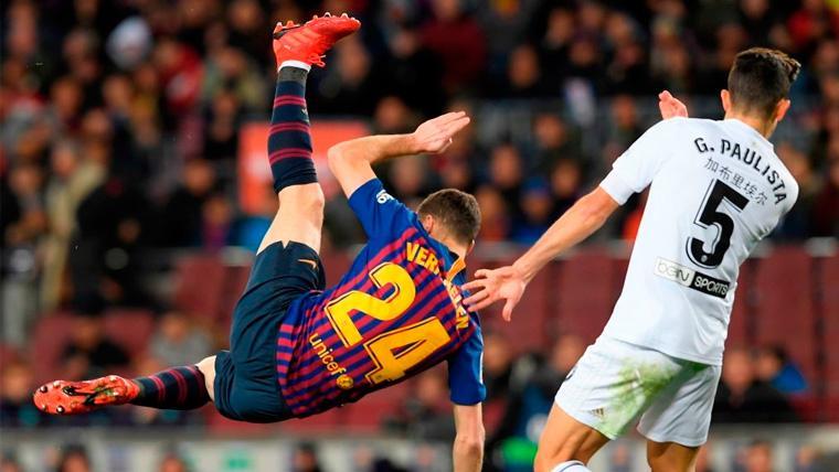 El silencio del Barça acerca el adiós de Thomas Vermaelen