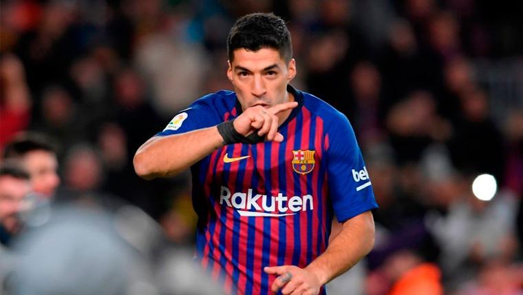 Luis Suárez celebra un gol con el FC Barcelona