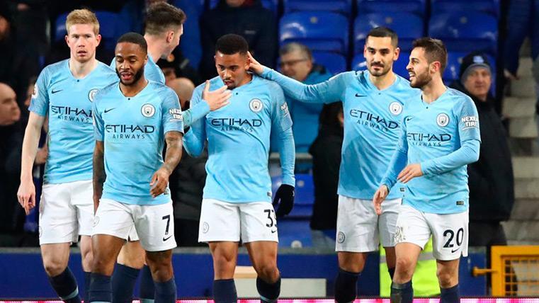 El Manchester City supera al Everton y recupera el liderato de la Premier