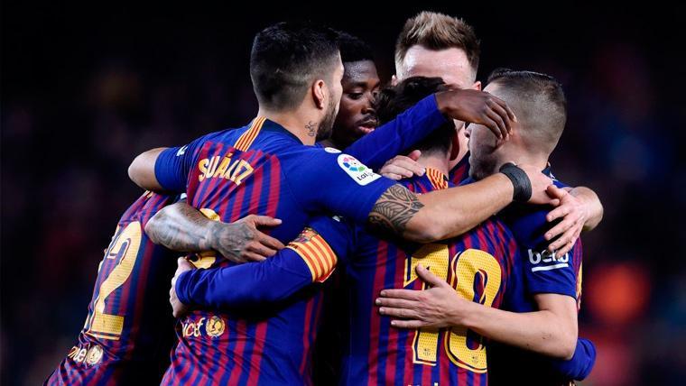 Los jugadores del FC Barcelona celebran un gol en LaLiga