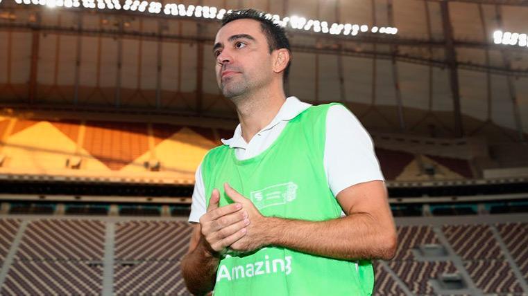 Xavi en un estadio de Qatar