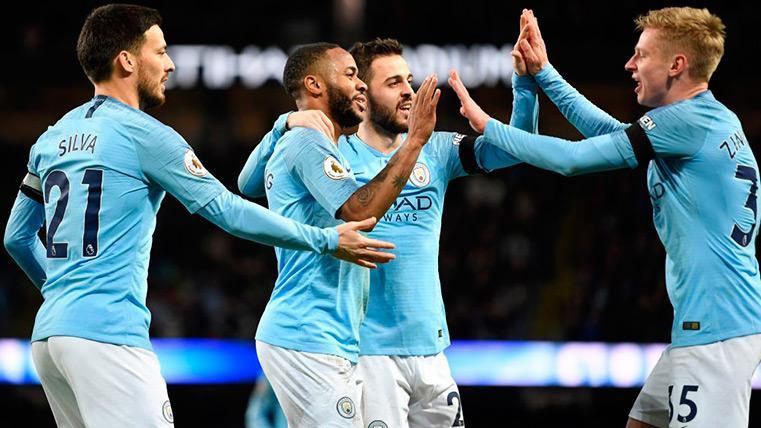 Los jugadores del Manchester City celebran uno de los goles ante el Chelsea