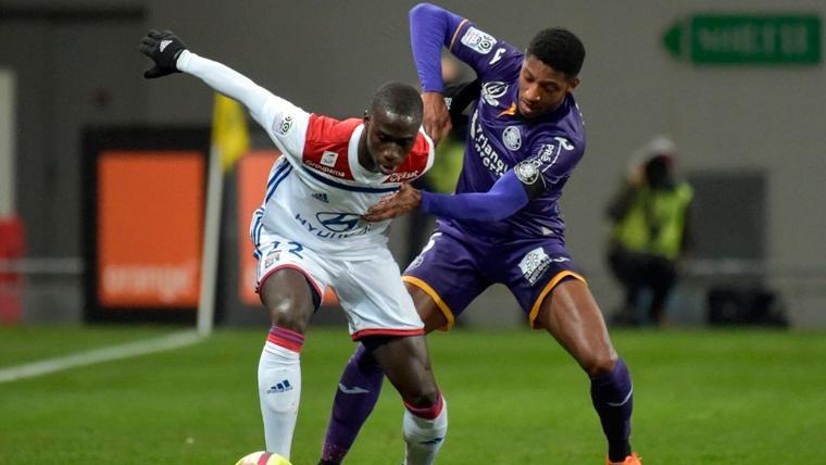 Olympique Lyon está listo para pelear por Héctor Herrera