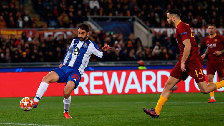 La primera aparición del VAR en la historia de la Champions League, en el Roma-Porto
