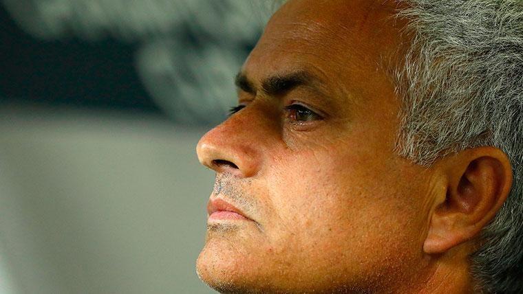 Mourinho podría salir del 'retiro' para dirigir a tres ex del Barça