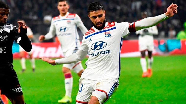 Fekir guía al Olympique de Lyon en la victoria antes de la visita del Barça (2-1)