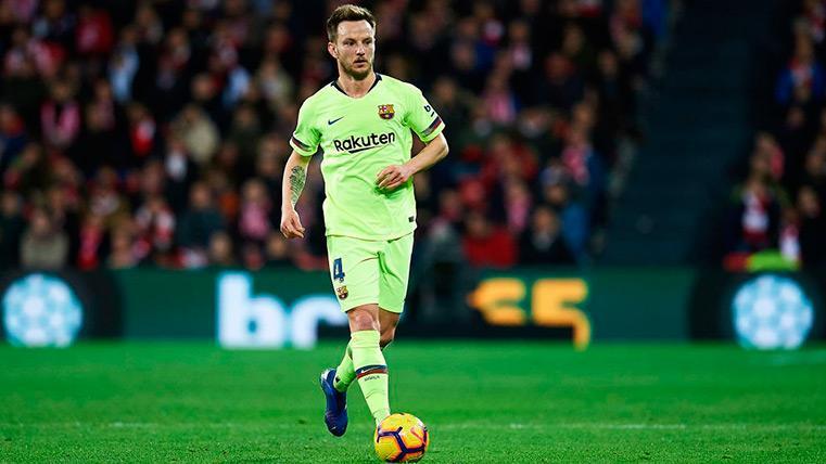Los jugadores del Barça que podrían salir en verano para hacer caja