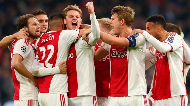 El Ajax de De Jong disfruta y se acerca al PSV con una 'manita' al NAC Breda (5-0)