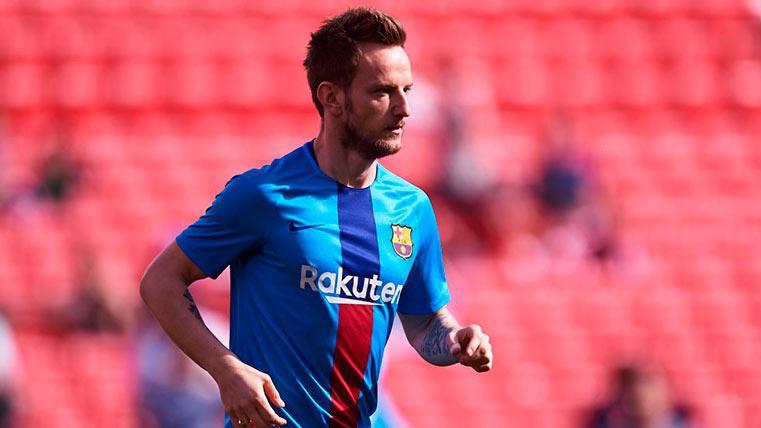 """Rakitic vuelve a pronunciarse sobre su futuro: """"Yo me veo jugando en el Barça"""""""