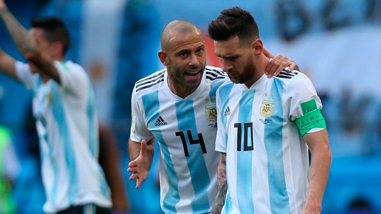 Mascherano sigue pendiente del Barça y elogió a Messi tras su partidazo en Sevilla