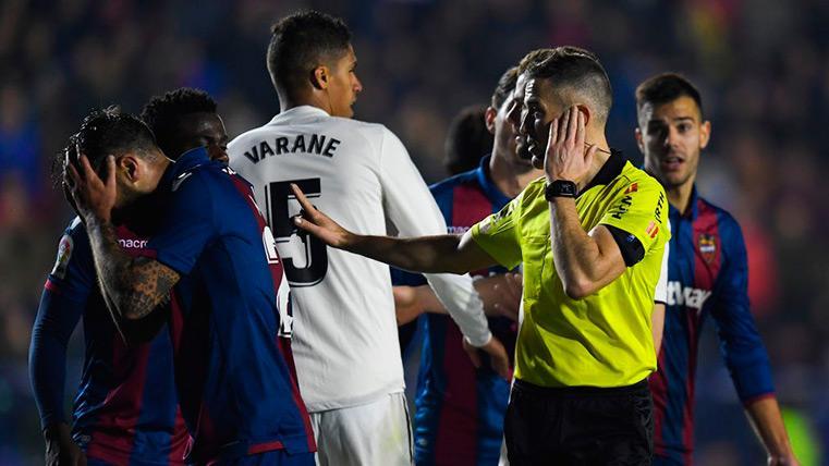 Estas fueron todas las jugadas polémicas del Levante-Real Madrid