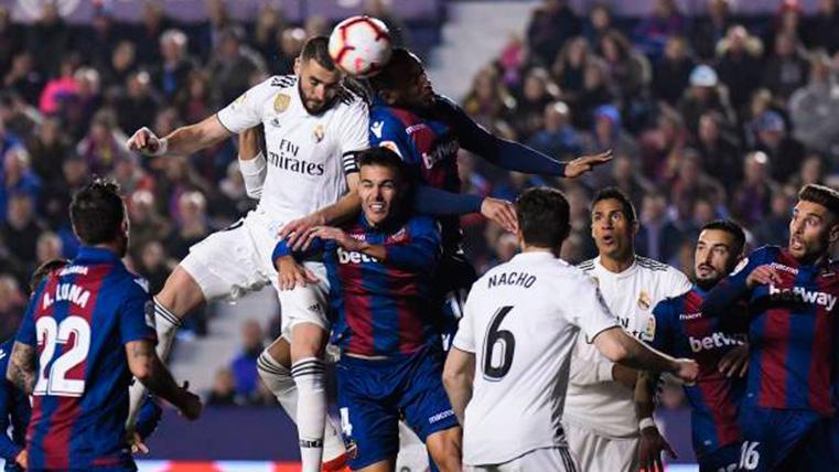 El posible penalti a favor del Levante que no se repitió en TV