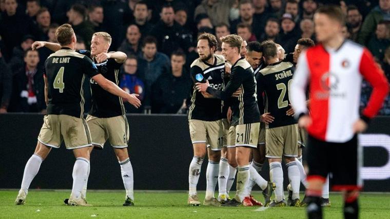 Los jugadores del Ajax celebran un gol en la Copa Holandesa