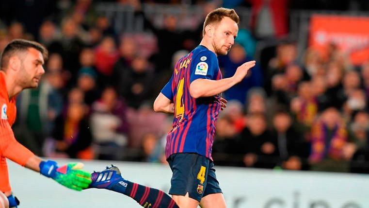 Rakitic insiste en quedarse y el Barça podría ofrecerle un aumento la próxima temporada