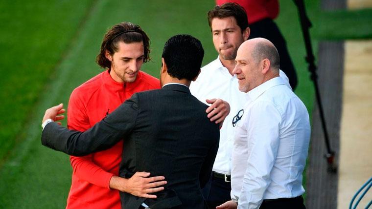 Rabiot, Al-Khelaïfi, Maxwell y Antero Henrique en un entrenamiento del PSG