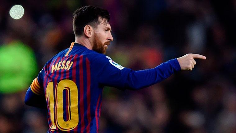 Leo Messi tuvo un gran detalle con el árbitro