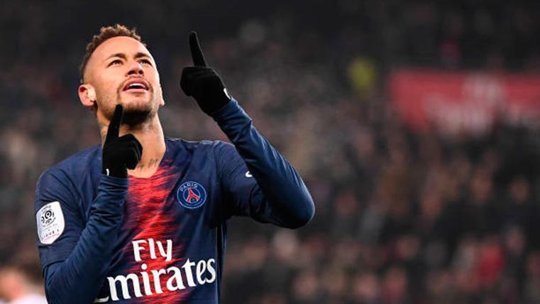 Neymar Jr, celebrando un gol marcado con el PSG