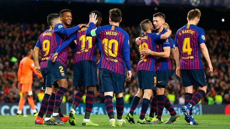 El FC Barcelona festeja el triunfo contra el Lyon