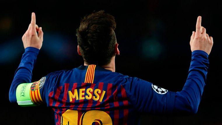 Leo Messi celebra su gol contra el Lyon