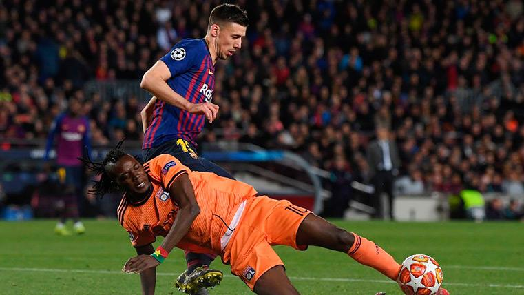 Lenglet se volvió a ganar el sitio contra el Olympique de Lyon con un partido excelente
