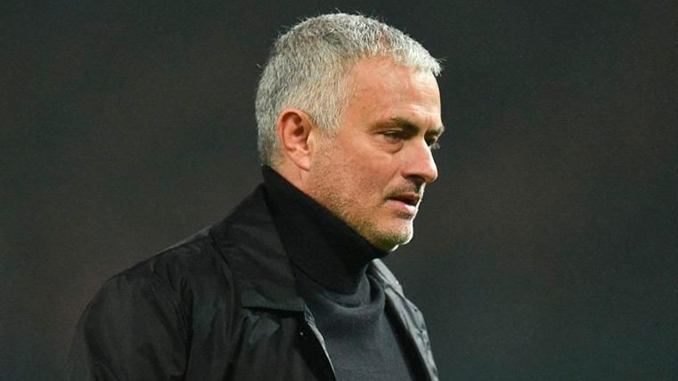 José Mourinho mientras dirigía al Manchester United