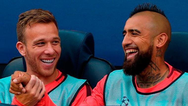 Arthur Melo y Arturo Vidal: desde fuera de la Masia también se aprende el 'estilo Barça'