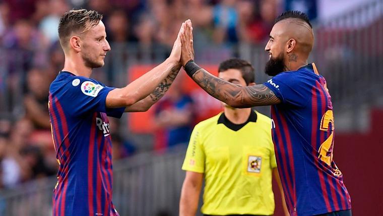 En Italia aseguran que Barça e Inter se reunieron por Rakitic y Arturo Vidal