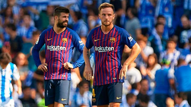 Piqué, Rakitic y Vidal están apercibidos y podrían perderse el partido contra el Atlético