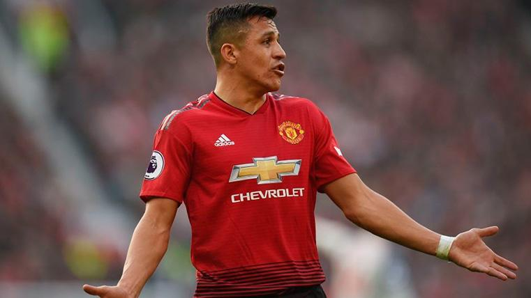 Alexis Sánchez no levanta cabeza y en el United ya han perdido la fe en él