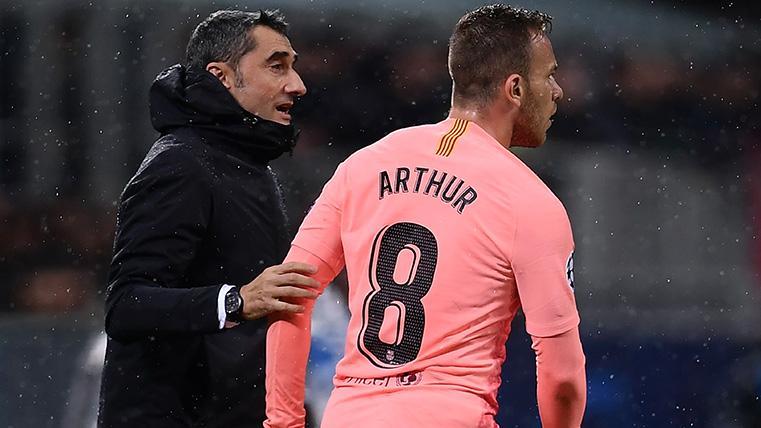 La conversación de Valverde con Arthur antes del Barça-Atlético