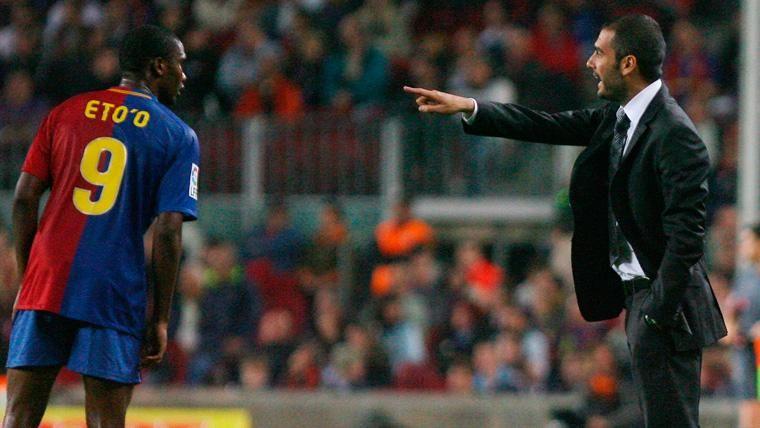 Samuel Eto'o implica a Leo Messi en su batalla con Pep Guardiola